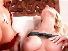 Hot Lesbian DPed By 2 Other Lesbians