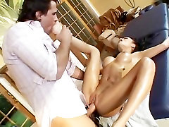 Asian fisth time porn massage