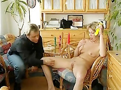 xxx hd dauinlhrd German mom gives awesome blowjob