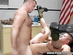 Armija mommy strong penis trainer saņemt muca pounded un love it