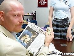 InnocentHigh Redhead moksleivė paauglių Alana Lyja spanked pakliuvom