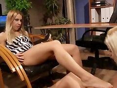 레즈비언 LEZDOM 도미토리와 하위에서 이 HD keezah latin porn