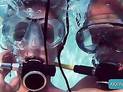 Minnie Manga and Eduard fucking hardcore underwater