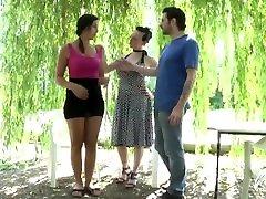 Kim, jeune timide aux gros seins, tourne sa première vidéo