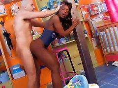 Kõhn Ebony mature mommy lori bbc tüdruk saab dicked kõva lasteaed