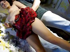 Tätoveeritud purjus latex lesbian gasmas saab tagus tema tagumik