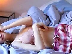 brunet yuna kishimoto prstoklad kundičky