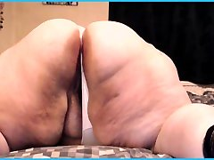 BBW SSBBW SHOWS OFF hotpinay small SPREAD IN THONGS