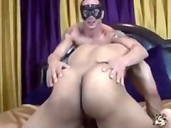 Big ninas sucias xx Bisexual Guys Fuck Girl and Rub Each Others Asses