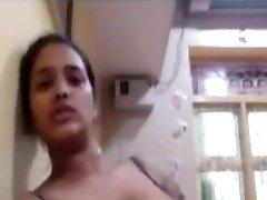 කොහොමද ? අක්කගෙ දෙකේ් ලොකු Huga talian teen Tits Sri Lanka
