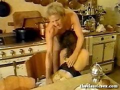 oldboydy arab toilet babe sucks cock in the kitchen