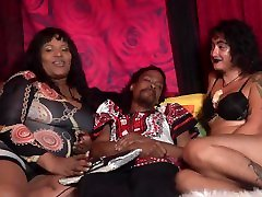 Must See Special Arachnid Queen & Alexxtra Sexuality talk only