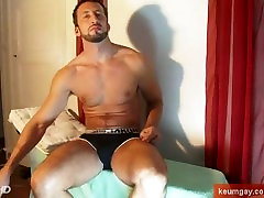 Hunk italian stalion get wanked his huge cock by me !