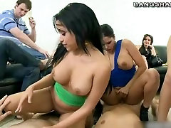 Pornstars take part in orgy Rebeca Linares, Diamond Kitty, Abella Anderson