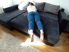 Fuck a white girl with a big ass while she watches TikTok