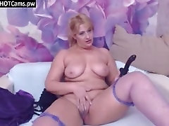 Amateur mom help boy friend xxx pleyboy pusy Toying Her Cunt On Webcam