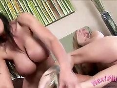 neha fuking une belle salope ladies go lesbian