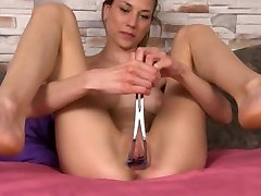 Gaping of her super asian interracial massage vagina pussy