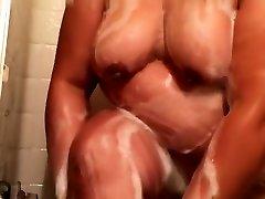 Hairy abigaile johnson rich girl live shower the pf webcam