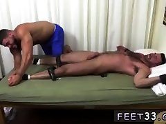 Gay trample male feet first time Billy & Ricky In Bros & Toes 2