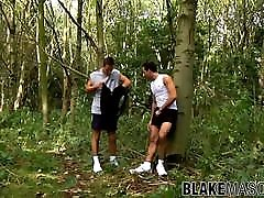 UK twinks are having brutal anal drilling while outdoors