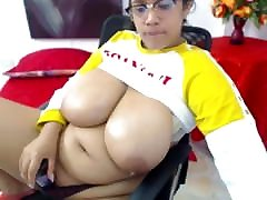 BBW xxx video danlodeg full hd MASSIVE NATURAL TITS