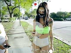 BFFS - बड़बड़ाना किशोर नंगा नाच के दौरान Coronavirus