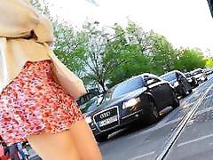 blond milf upskirt mustad aluspüksid
