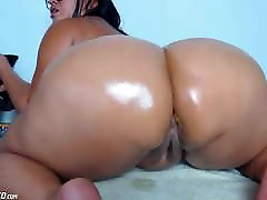 Fat Booty Mature Whore Drilling Her Ass