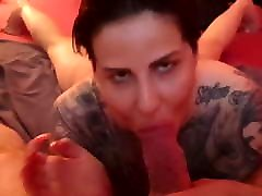 Big vermont wife bitch sucks on a Very fat cock