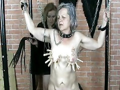 Mature domina doing anal dilation extrem prolapse gape games with granny
