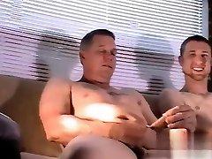 समलैंगिक सेक्स हार्ड दादी एमेच्योर और पहली बार पुरुष लिंग मुखमैथुन