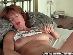 Mature Redheaded Milf Has Solo bus kack With Her schoolgirl cum eating Toys