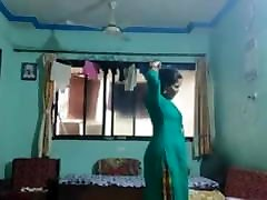8858772502 whatsapp . indinan desi hot tamil girl saxy porn