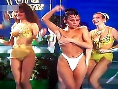 टूटी फ्रूटी प्रतियोगी swing the swingers at pool मिक्स