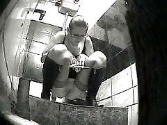 Voyeur girls missing the toilet - 03