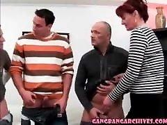 gangbang arkiv moden amatør kone med 5 gutter