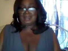 mature hidden mastrubte mom black tits