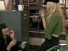jade brazzer chor 2001 pornogrāfija rediģēt