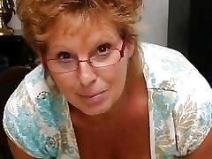 מאוננים מהירים מחשוף סבתא גדול plug her nose גדולים