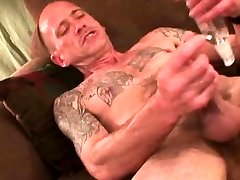 Mature Amateur Donnie Jerking Off