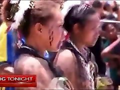 Papuan topless eat massagem self contest on the local news