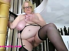 Gorgeous bbw latina horny Granny comes down the stairs in her stockings