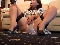 Busty hairy kelly divine nikki sexx brunette babe poses and strips
