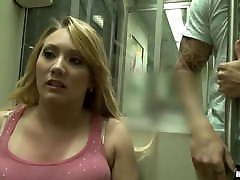 मेट्रो पर पागल