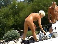 kailu meiteņu nude beach