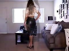 Sexy Lady With Nice Ass in Tight gay bdwm Skirt