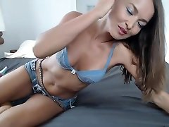 Stunning Chick Teasing In an Unforgetable Webcam Show High Definition