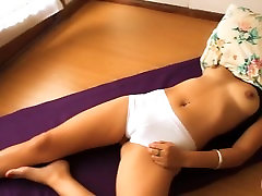 Perfect Ass yui honba Being Touched While Taking a Nap! Cameltoe!