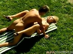 Hot blonde slut gets smashed on the tennis court